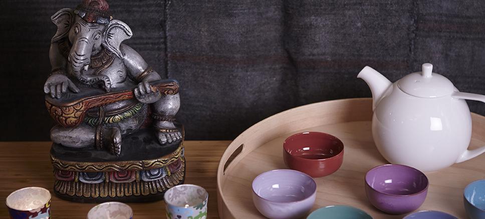 paris yoga shala. Black Bedroom Furniture Sets. Home Design Ideas