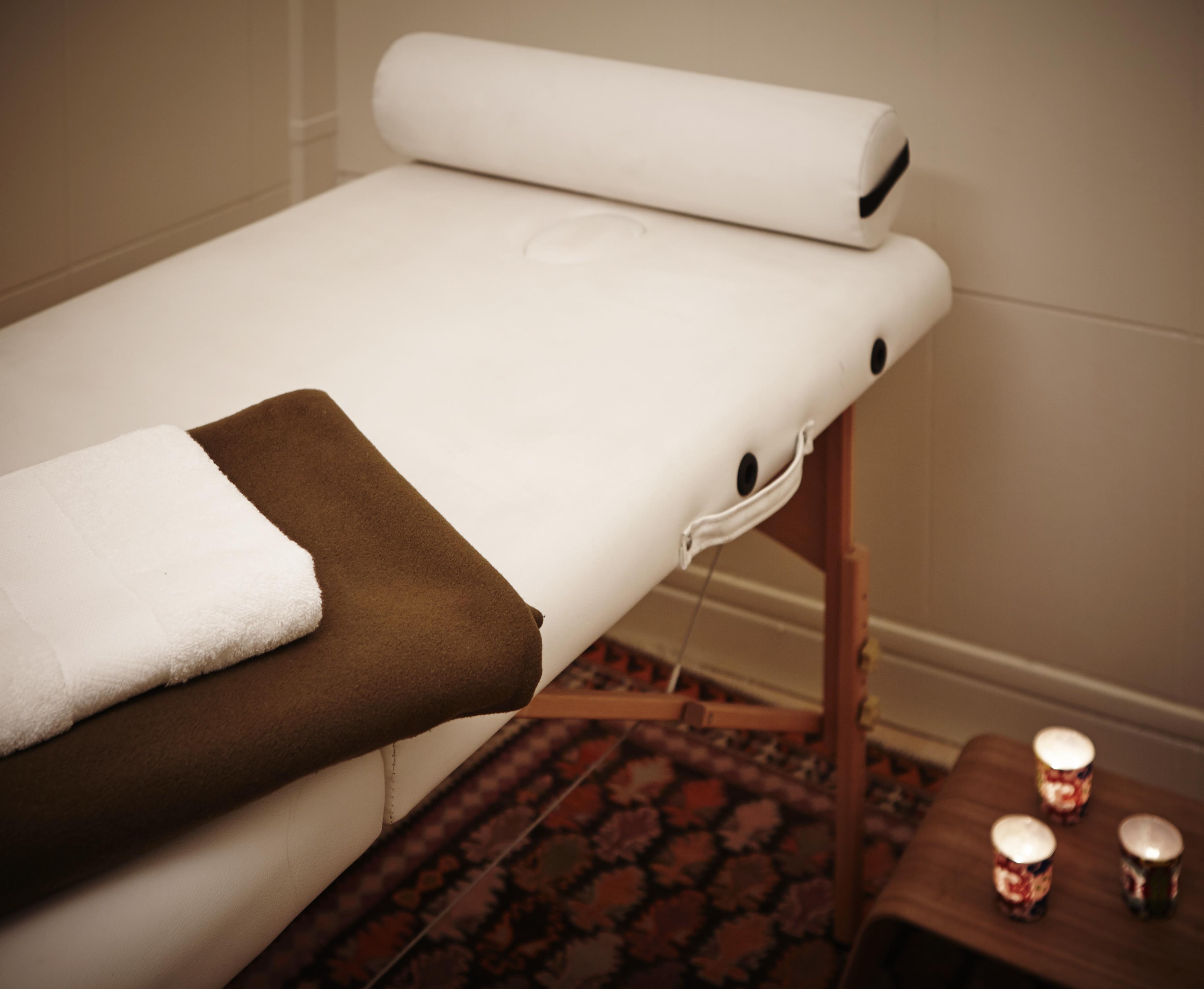 13 1128 parisyoga14431 v1 1. Black Bedroom Furniture Sets. Home Design Ideas