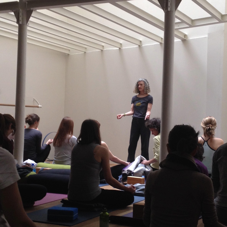 Paris Yoga Atelier Leslie Howard